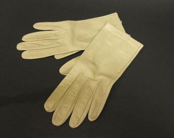 Women's Beige Leather Wrist Driving Gloves Size 6 1/2