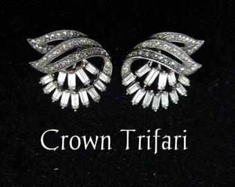 Crown Trifari Clear Rhinestone Art Deco Stunning Vintage Clip Back Earrings / Designer Signed