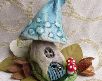 Fairy House - Vintage Inspired Pixie Toadstool Fairy Home. Bring a bit of magic to your home or fairy garden! Hand sculpte & hand painted.