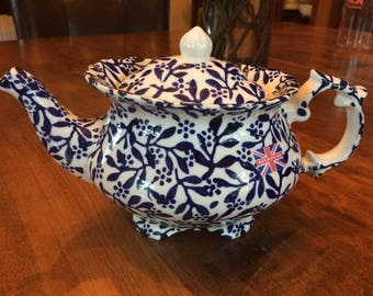"Price Kensington (PK) Large Teapot ""Victoriana"" // English Footed Teapot // White & Blue"