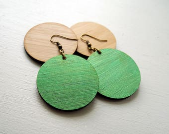 Metallic Green Bamboo Lightweight Circle earrings / Wood Disc earring / inspired by Joanna Gaines fixer upper / sustainable bamboo wood