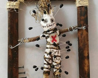 You dont want to piss me off-voodoo-art doll-macabre doll-wall hanging-hoodoo-witchcraft-poppet-OOAK-magic-pagan-decoration-enemy