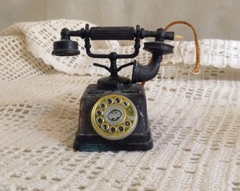 Miniature Old Fashioned Telephone Pencil Sharpener