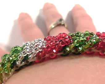 Christmas Bracelet, Red and Green Bracelet, Red and Green Christmas Bracelet, Beaded Bracelet, Gifts for Her, Christmas Gifts, Christmas