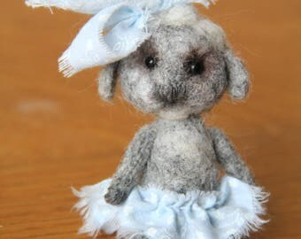 Wool sculptures , little sheep with wool , felting animal. Height 3.15 inches (8 cm) .
