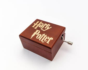 New Harry Potter music box gift for fans. Crank movement with Hedwig's theme