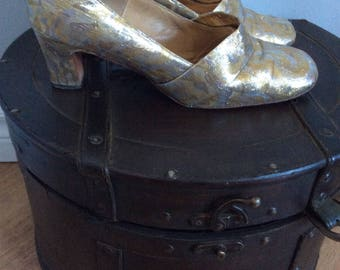 Vintage Baroque shoes gold and silver 1950s