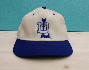Vintage 80's / 90's / Detroit Lions / NFL New Era fitted wool cap / Size 7 1/8 / Made in USA / Throwback logo / 5950 Pro Model