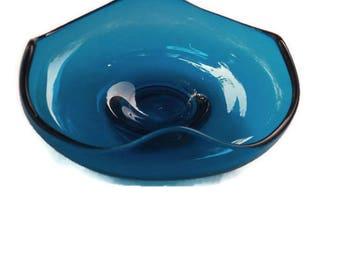 Vintage Blue Art Glass Bowl, Vintage Blue Bowl, Blue Ruffle Bowl, Vintage Scalloped Blue Bowl, Mid Century Blue Decor, Mid Century Decor