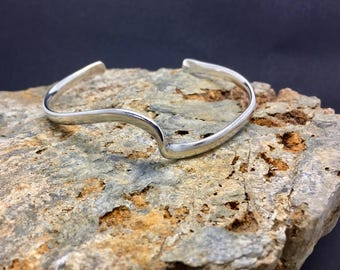 Solid sterling silver wave bangle
