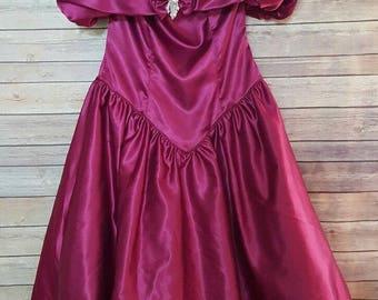 Vintage Plumb Purple Ball Gown Formal Dress Off Shoulder Tulle Back Bow