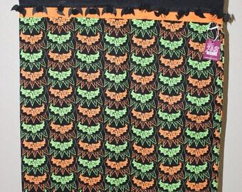 "Trick or treating bag (Pillowcase ""bats"" with bat trim)"