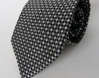 ROUNDTREE and YORKE 100% Silk Men's Necktie/Woven in Italy/Made in U.S.A./Gray and Black tie/Black Pewter Titanium/reinforced stitching knot