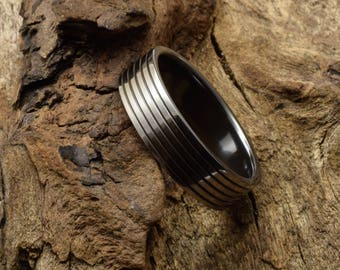 Titanium ring, suitable as a mens wedding band, dark interior with black grooves, unique mens ring, rustic ring for him, wedding band mens