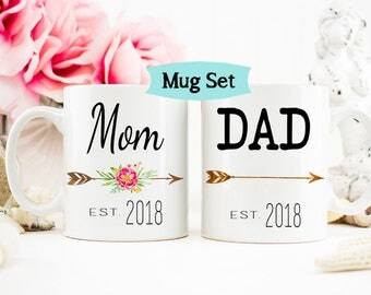 Mom and Dad mugs, New Parents gift, Baby Shower Gift, New Parents, Baby Announcement, Mom Mug, Dad Mug, Gift for Parents, Mug Set