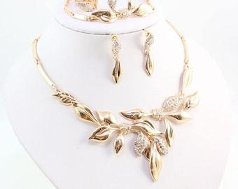 Crystal Bridal Jewelry Set, Wedding Jewelry Set, Crystal Jewelry set, Bridal earring, Wedding earring, Bridal necklace, Bridal Tiara
