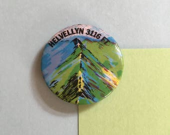 Helvellyn badge - England, Lake district - 3116 FT - vintage retro 1980s pinback button