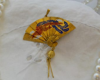 Vintage Gold Tone Folding Oriental Fan Pendant