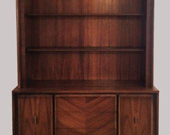 Midcentury Amercian-Made China Cabinet c. 1960s