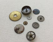 Small lot of vintage pocket watch gears