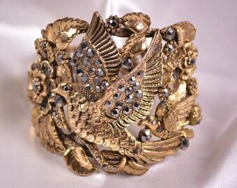 Vintage Gold Dove Rhinestone Clamper Bracelet,Pigeon Rhinestone Bracelet,Retro Clamper Bracelet,Gold Large Beaded Bracelet,Vintage Bracelet