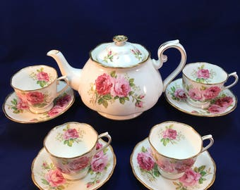 FREE SHIPPING - Vintage Royal Albert American Beauty Tea Set - Large Tea Pot & 4 cups with saucers
