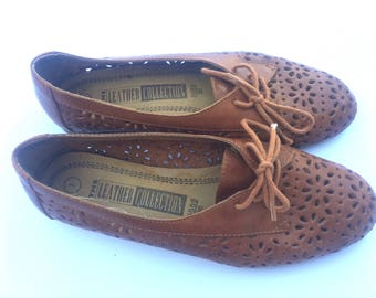 Vintage 80s/90s Leather Collection brown leather shoes. Size 7.