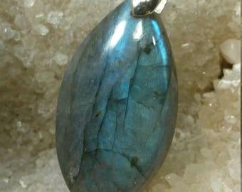 Labradorite aquamarine 12.58 Gr, leaf pendant