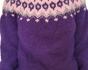 Sweater / vintage / mountain / violet / jacquard