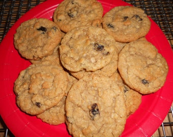 Old Fashion Oatmeal Raisin Cookies / Oatmeal Raisin Cookies/  2 Dozen/ Homemade/ Soft & Chewy/Holiday Cookie/Christmas Cookies