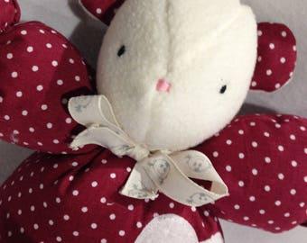 Cuddly plush mouse ecru and Burgundy