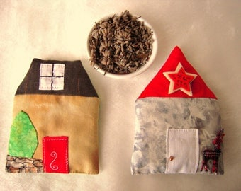 "Set of two Lavender sachets ""houses"""