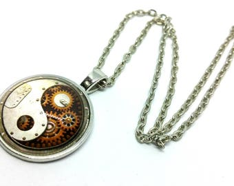 x 1 - Ying Yang gear mechanism - silver metal chain pendant necklace Cabochon