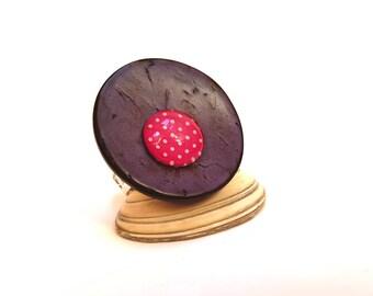 Imitation leather purple pink polka dot button ring