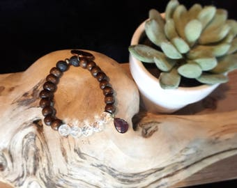 Stretch Diffuser Bracelet: Wood and Crystal with Charm.