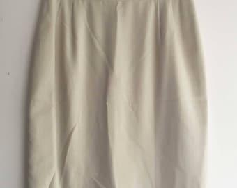 Ivory vintage skirt size 38