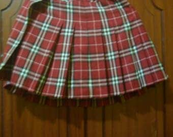 Vintage Burberry London Skirt//British luxury fashion house//made in Japan//size 150A