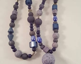 XL-Necklace in blue shades of Polaris and acrylic beads