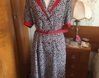 1980's Striking Smart Dress