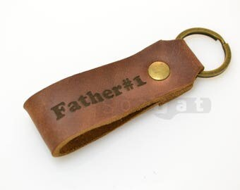 СUSTOM LEATHER KEYCHAIN can be personalized gift for dad friend, gift for husband, groomsmen gift, gift for boyfriend Handmade in Europe