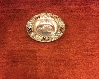 Sterling Silver Bonbon/nut dish hallmarked with repousse and cage work