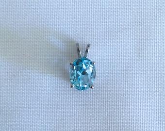 Blue Topaz Necklace, Oval Blue Topaz Necklace, Topaz pendant, Topaz Oval in Silver Setting, brilliant Blue Topaz