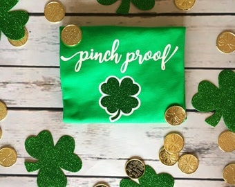 Girls St. Patrick's Day Shirt, Girl's St. Patty's Day shirt, Girls Glitter Shamrock Shirt , Green st Patrick's day shirt girls