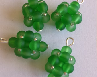4 beads 4mm frosted green glass pendants