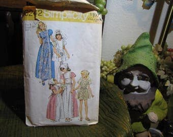 """Vintage Children's Wedding Junior Bride's Maid Prairie Clothing Pattern by Simplicity #6242 Size 8 Chest 27"""" Cut and Complete circa 1974"""