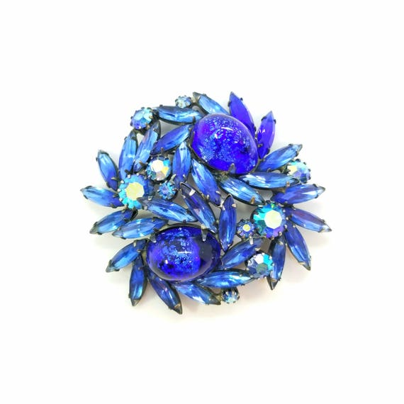 Vintage 1960s Weiss Deep Blue Foiled Cabochon and Navette Brooch