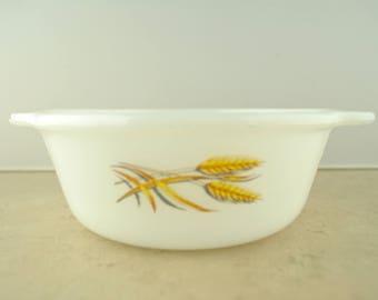 Fire-King Golden Wheat 1 Pint Casserole Dish