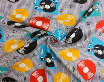 Retro Records Musical Tunes 89830 101 100% Cotton Patchwork/ Dressmaking Craft Fabric
