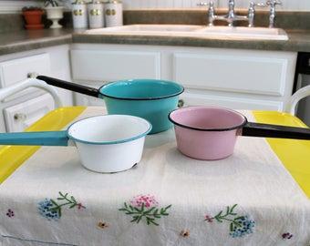 Vintage Enamel Sauce Pans. Pink/Black or Blue/White.