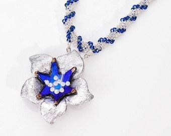Glass flower 5 leaves silver mid-blue